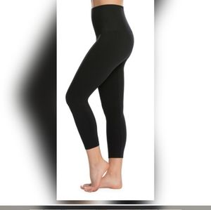 Spanx look at me now cropped seamless legging